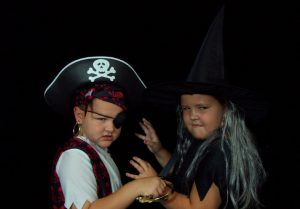 pirate-vs-witch-1439501